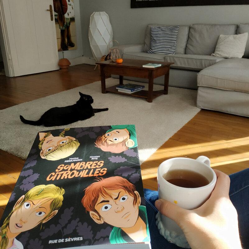 Nouvelle lecture avec Chachat qui m'accompagne !