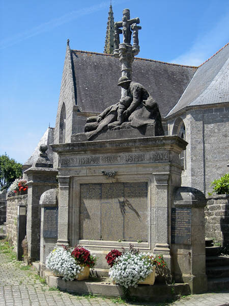 Monument aux morts de Pouldreuzic