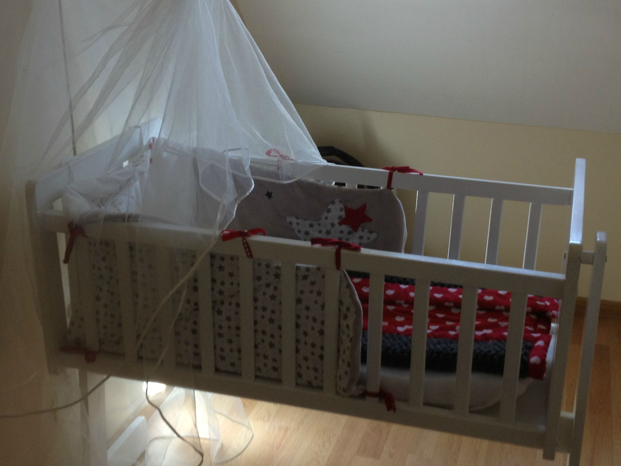 ciel de lit fait maison amazing construire lit baldaquin best excellent chambre fille lit. Black Bedroom Furniture Sets. Home Design Ideas