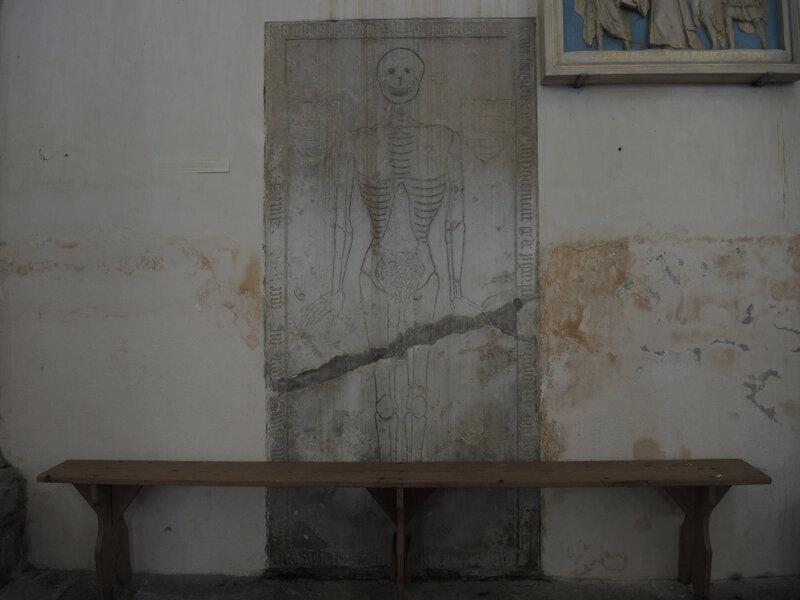 Saint-Révérien, prieuré, dalle funéraire
