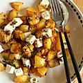 Salade de pommes de terre sautées à la harissa, feta, vinaigrette aux graines & à l'érable