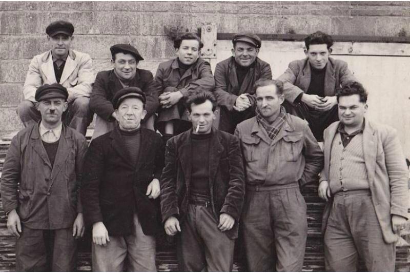Ernest Hénaff et les charpentiers 1950