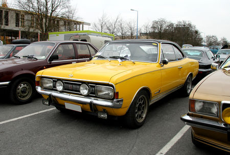 Opel_commodore_GS_coup___23_me_Salon_Champenois_du_v_hicule_de_collection__01