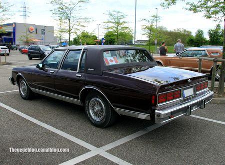 Chevrolet caprice classic LS brougham de 1988 (Rencard Burger King mail 2012) 03
