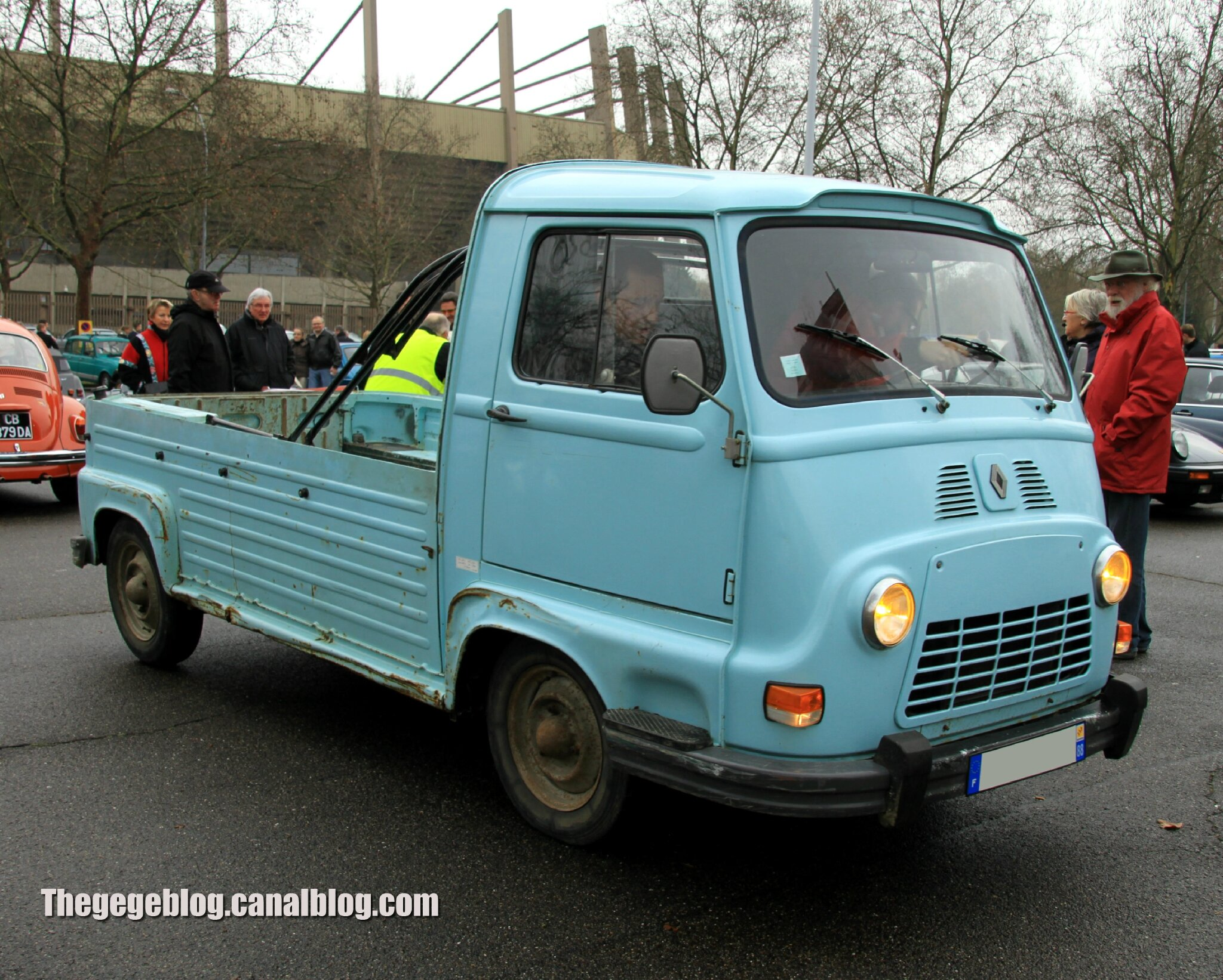 Renault estafette pick up (Retrorencard fevrier 2014) 01