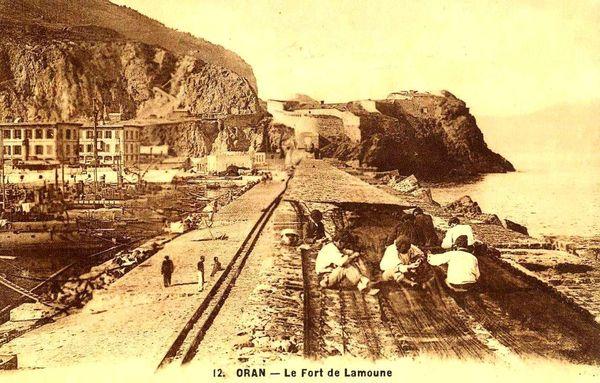 Oran- 131- travail sur les quais