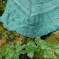 Le bibracte: châle à feuilles et torsades du morvan- the bibracte: leaf and cable shawl from morvan