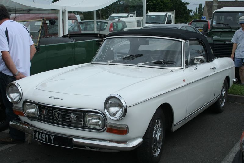 Peugeot 404 Coupe-01