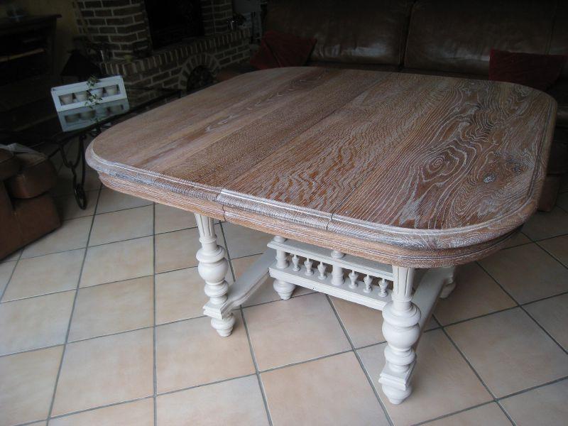 Table Henri II cérusé et peinte 380€ VENDUE
