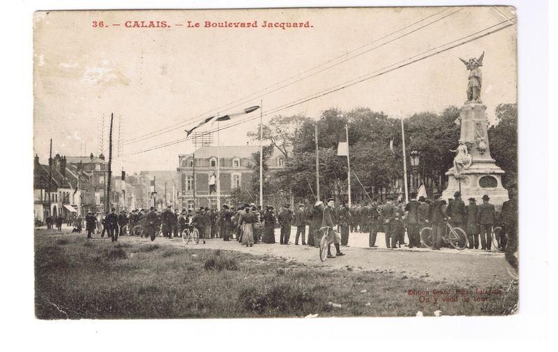 Calais: L'inauguration du Monument dédié à Dutertre