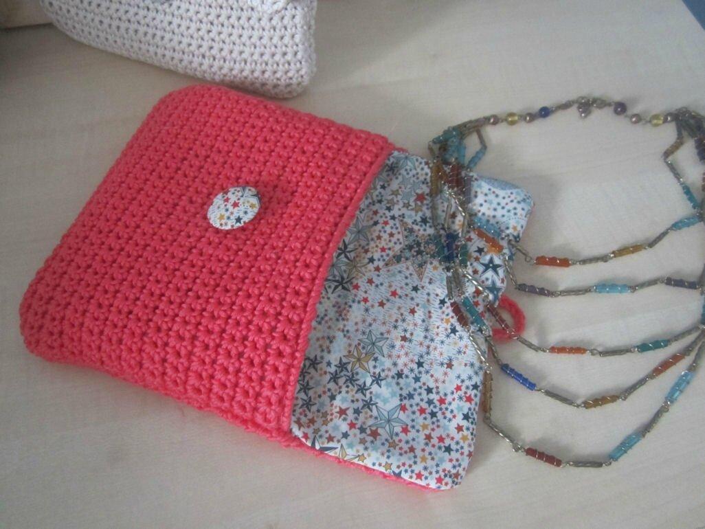 pochette-bijoux-crochetée