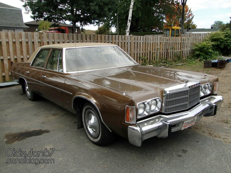 chrysler-newport-sedan-1977-1