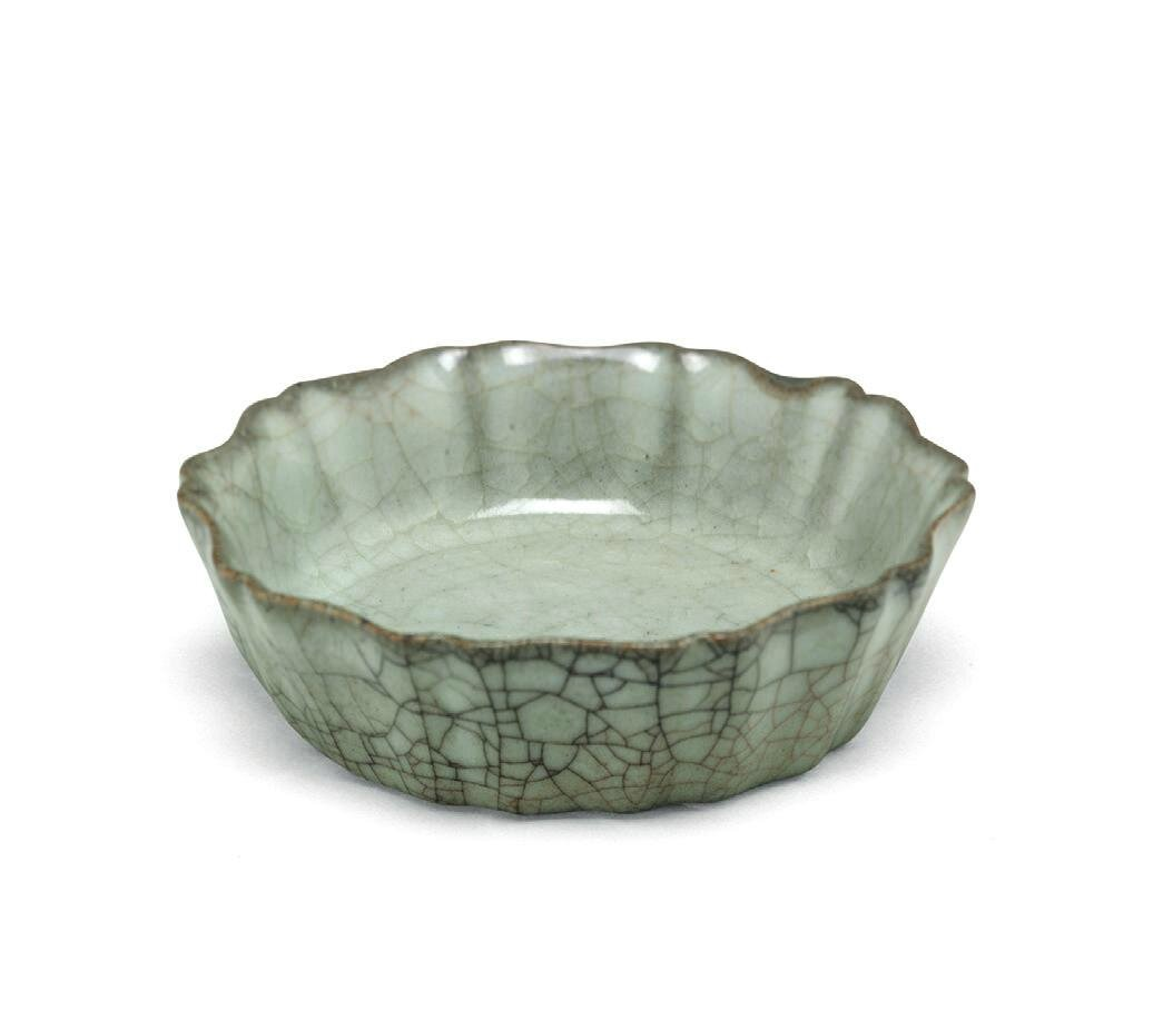 A highly important and extremely rare Guan mallow-shaped brush washer, Southern Song dynasty (1127-1279)