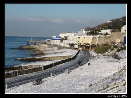 La_plage_du_Havre_sous_la_neige__2_