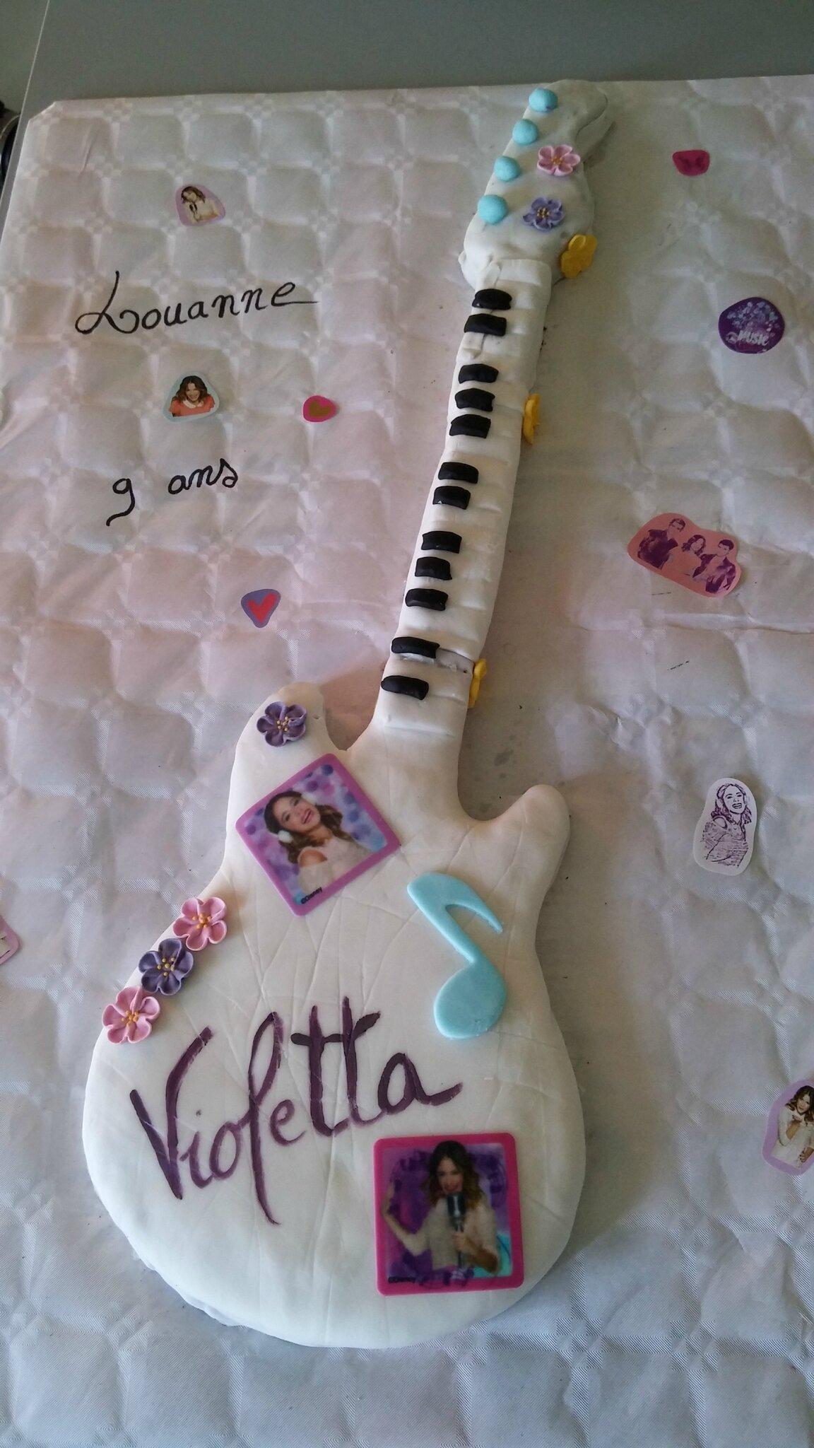 guitare violetta