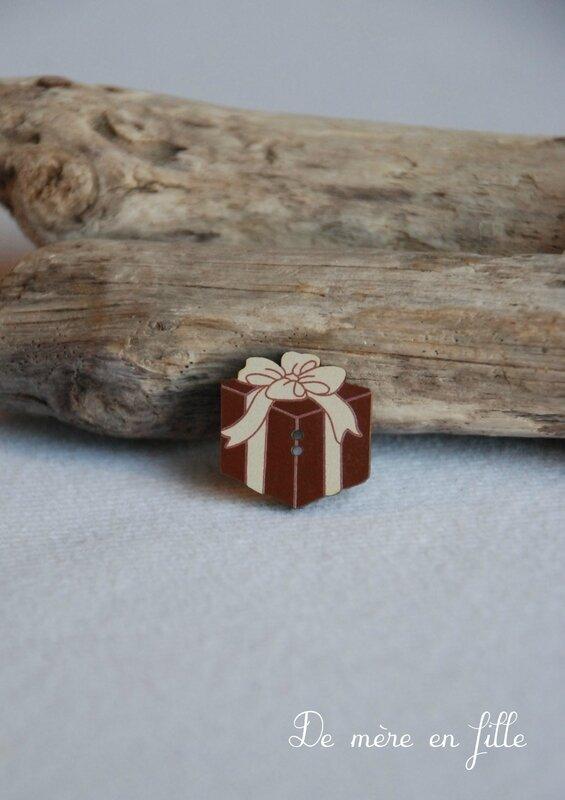 cadeau carré marron