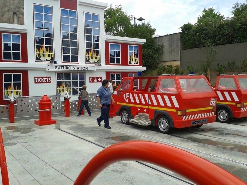 Les apprentis pompiers : futuro station