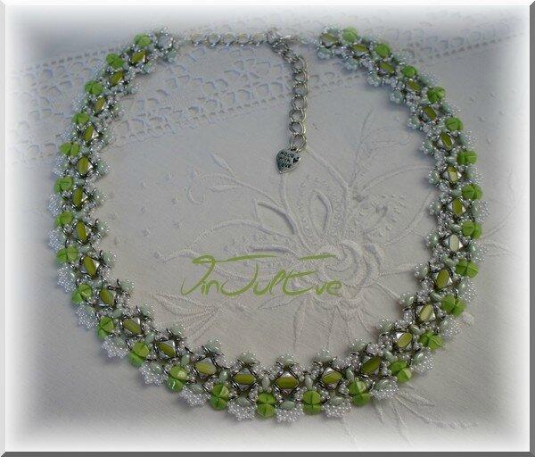 Collier Sulya blanc vert