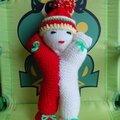 Une poupée molle au tricot