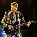 johnny-hallyday-en-2003-en-plein-concert-au-velodrome-de-marseille-photo-afp-1512563406