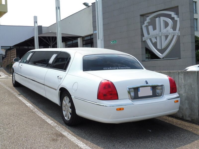 LINCOLN Town Car Royale Executive Series limousine Illkirch (2)