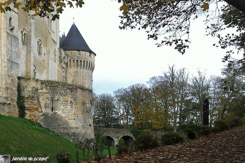 Tour de la Chaise et entrée du Château de Nogent-le-Rotrou