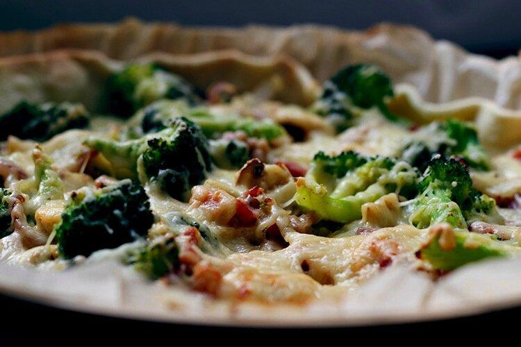 Tarte au brocolis lardons oignons