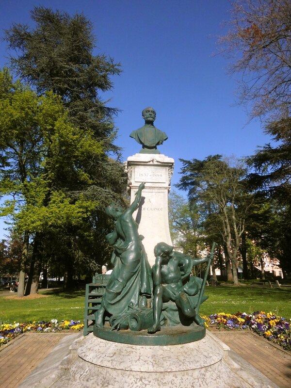 statue Sadi-Carnot 15 avril 2014 (2)