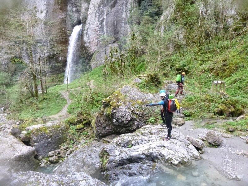 Arrivée triomphante à la cascade de Kakoueta