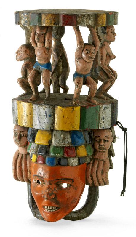 exposition-afrique-en-couleurs-masque-de-danse-seconde-moitie-du-20e-siecle-nigeria-culture-ibo-bois-peinture-acrylique-collection-denise-et-michel-meynet-photographie-pierre-verrier-1600x0