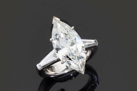 A_diamond_solitaire_ring