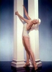 jayne_swimsuit_poids-1956-the_girl_cant_help_it-pub-1-2