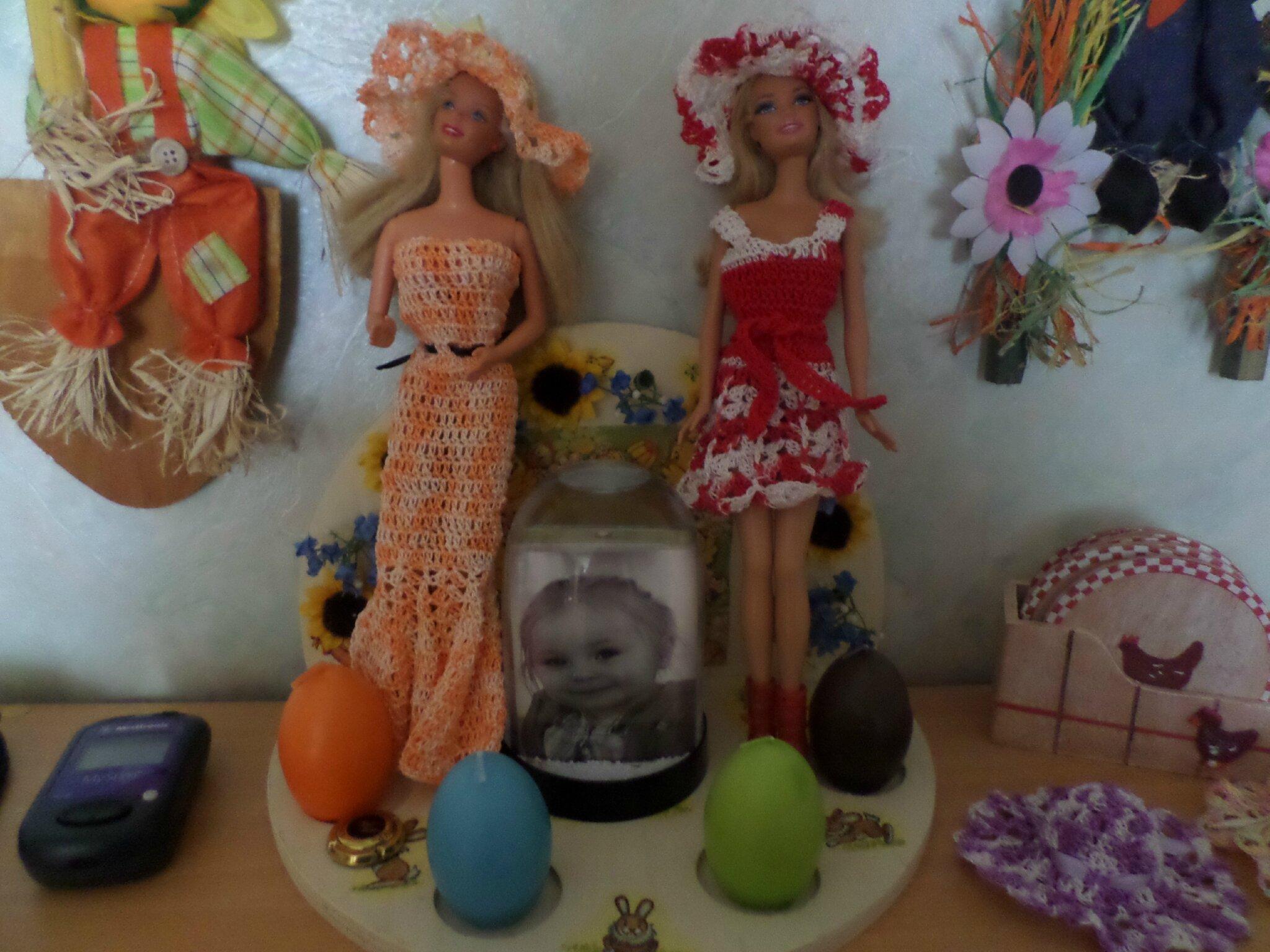 2 Robes pour Barbie