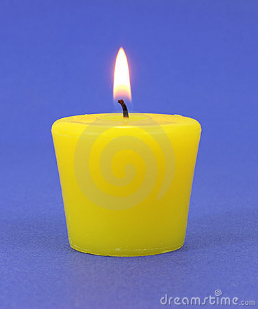 yellow-citronella-candle-14896588