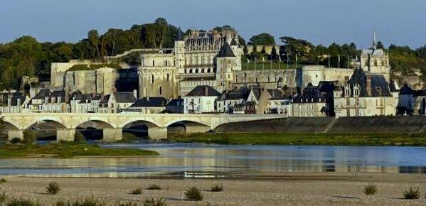 Amboise chateau rive