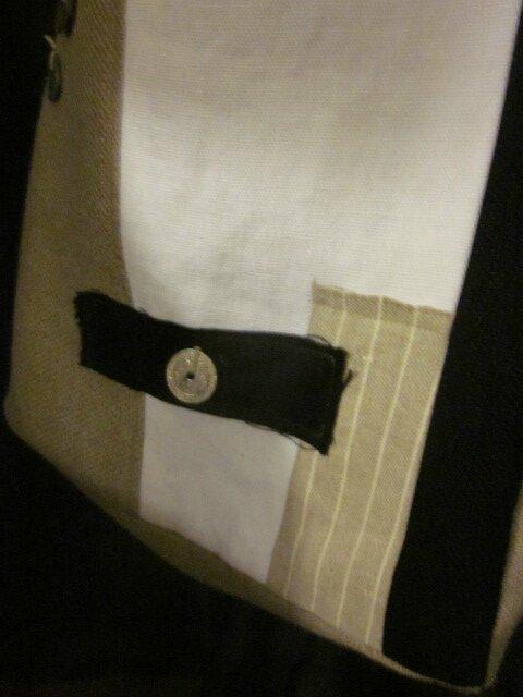 Sac IPHIGENIE en bandoulière en lin brut, blanc cassé, noir avec ajout de dentelle et pièces ou jetons - une poche à l'intérieur (4)