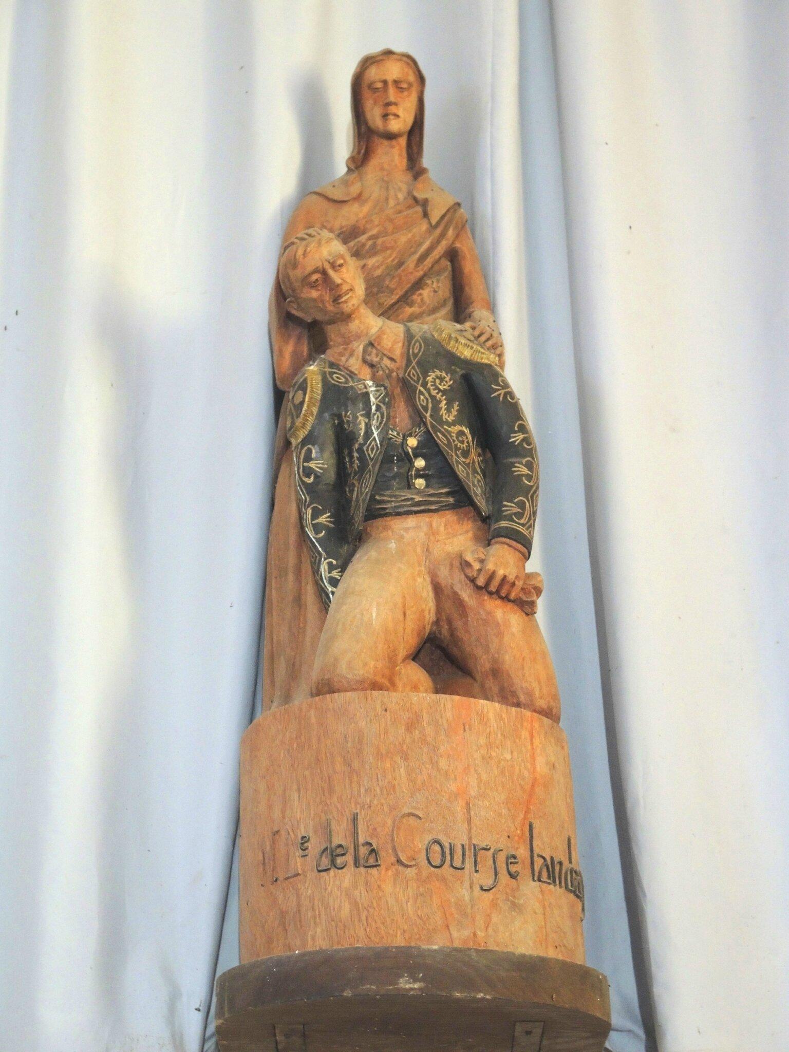Bascons, Notre-dame-de-la-course-landaise, statue (40)