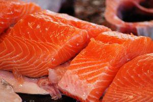 escalope-de-saumon-sauce-miel-citron-10303864hjaek