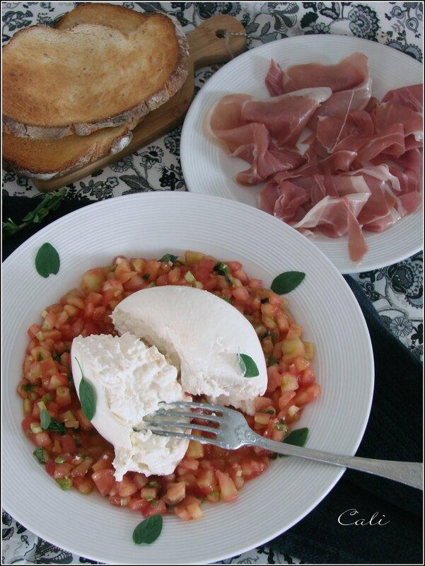 Concassée de Tomates à l'Origan & Burrata 002