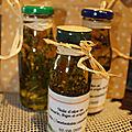 Huile aromatisée au thym, romarin et origan du jardin