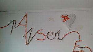 malou mosaique installation sur le thème de l'amour 2