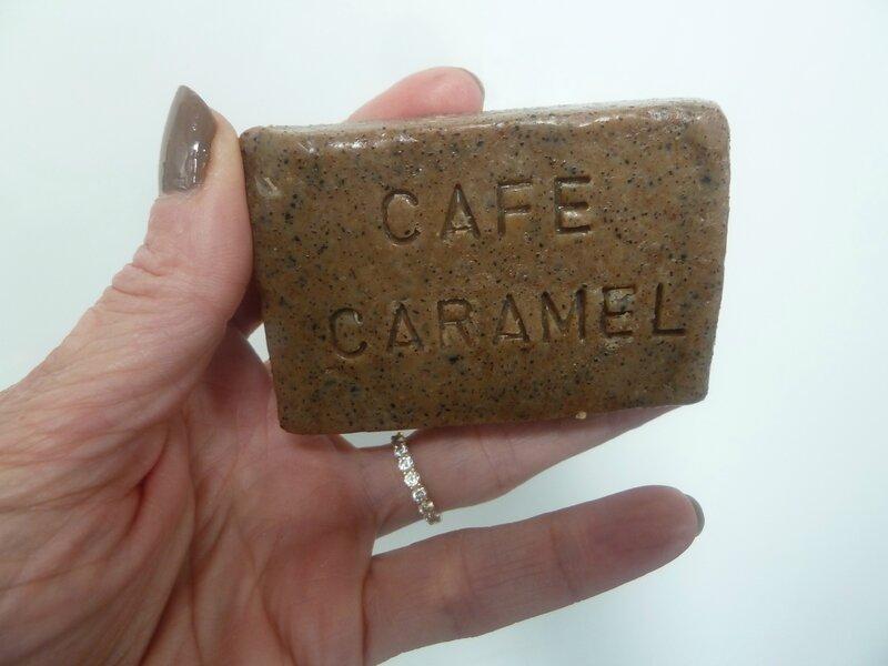 savon cafe caramel detail