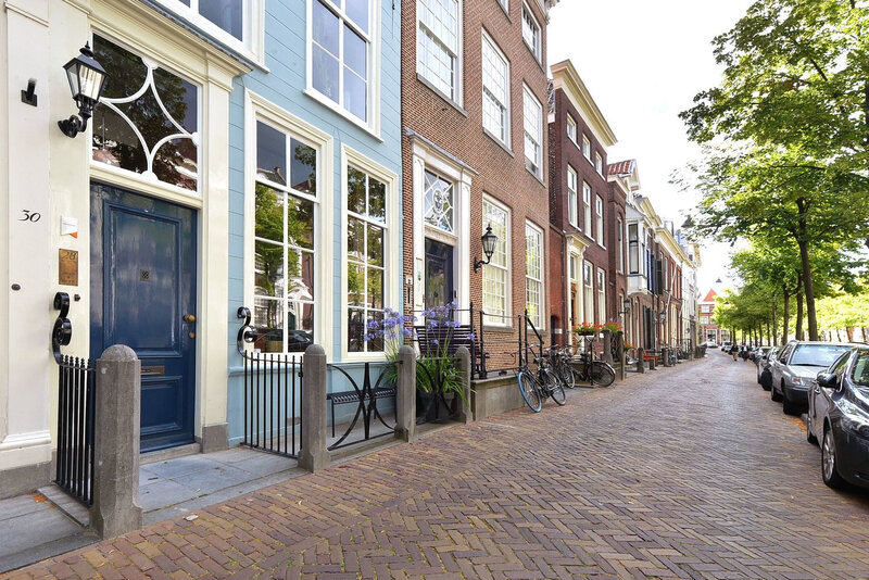 A 17thcentury canal home in The Netherlands trop joli0 (20)