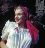 1946-08-CA-Castle_Rock_State_Park-blouse_white-by_william_carroll-011-1c