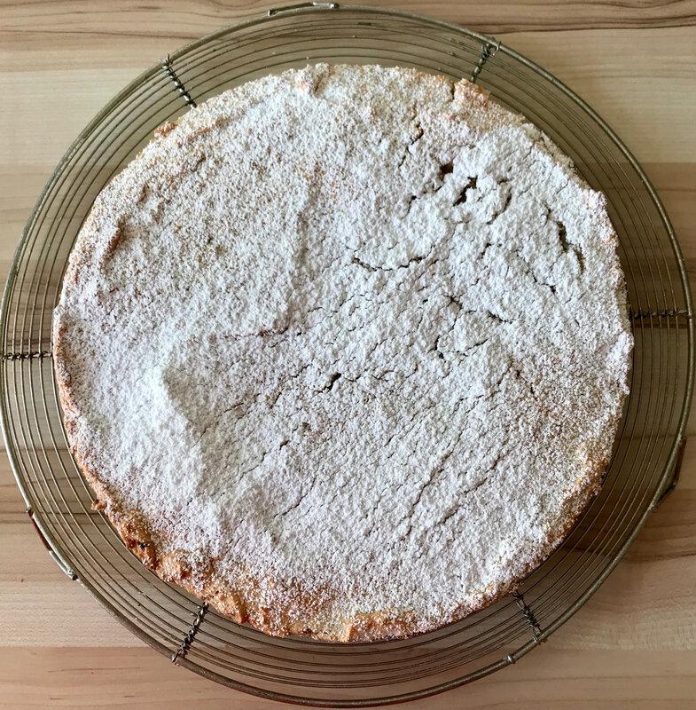 tarte à la rhubarbe macaronnée