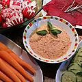 Rillette de sardine à la tomate, kiri et piment d'espelette ou sauce dips de sardine pour légumes crus