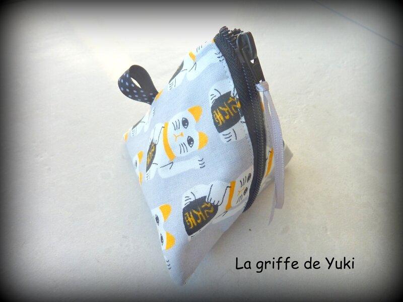 425 - Berlingot gris chat japonais (1)