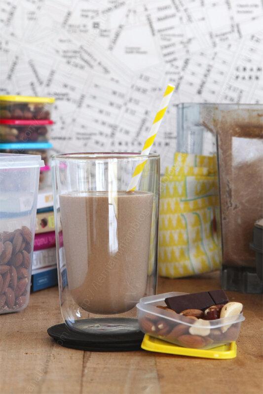 Smoothie cacao post work out (qui se transforme comme par magie en crème dessert chocolat)