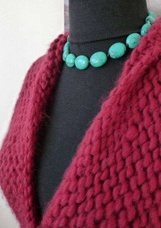 Collier ras du cou en véritable pierres de turquoise