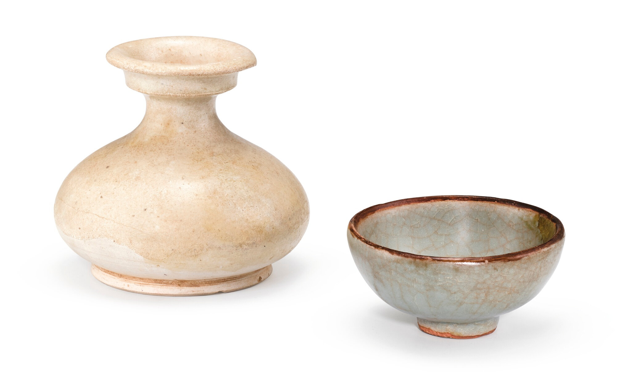 A small white-glazed jar and a Guan-type bowl, Five Dynasties and Song dynasty